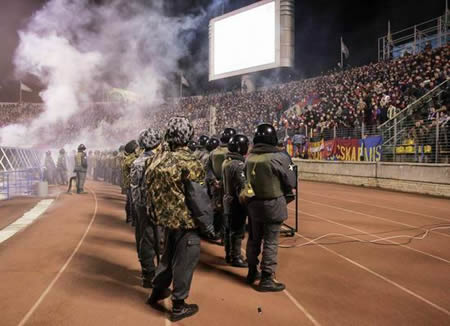 http://www.football-hooligans.org/images/hooligans/europe/zenit-cska_2.jpg